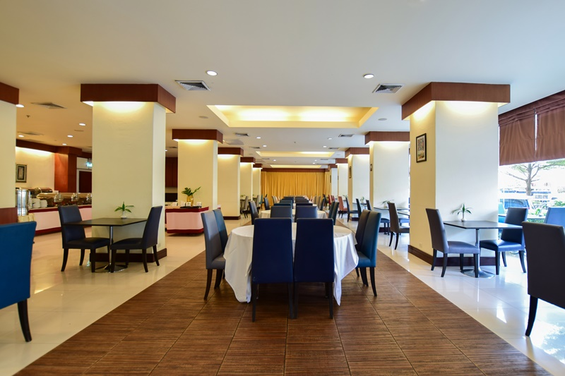 The Color Living Hotel : Restaurant